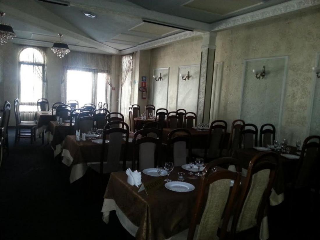 Место для проведения досуга свадеб торжеств только в чайке вас ждет отличная кухня, вежливое обслуживание и уютная атмосфера только у нас живая музыка.
