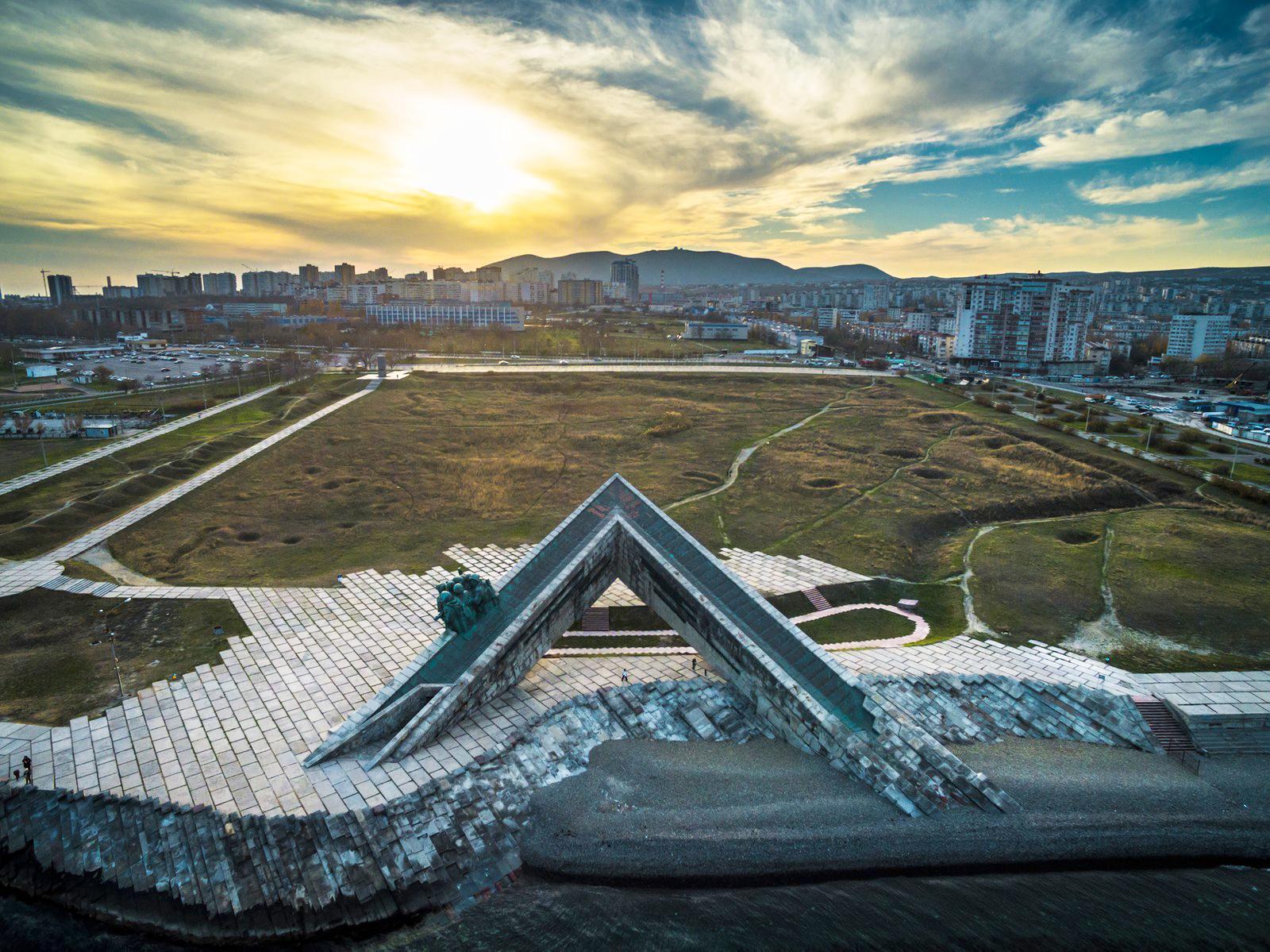 внутренних помещений фото памятника земле него викинги